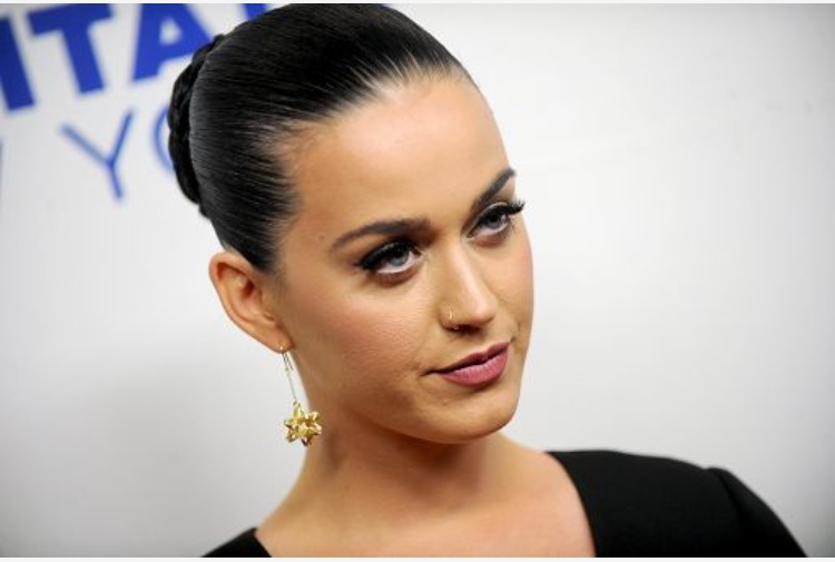 Orlando Bloom e Katy Perry ufficialmente fidanzati alle Hawaii
