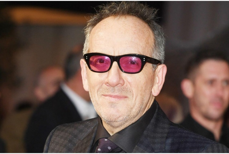 'Ho un cancro', stop a tour per Elvis Costello