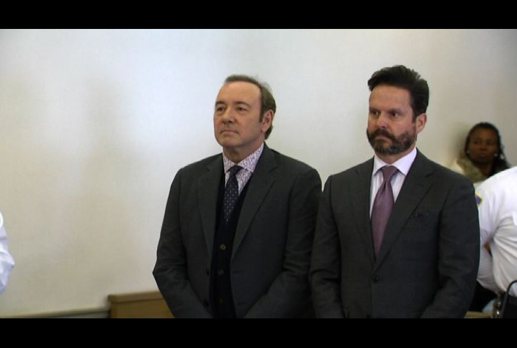 L'attore Kevin Spacey incriminato per abusi sessuali
